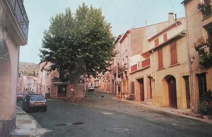 1987 Place de la republique